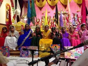 Bhuvaneshwar Mandir Queens 3
