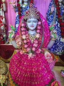 Bhuvaneshwar Mandir Queens 4