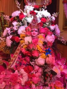 Bhuvaneshwar Mandir Queens 5