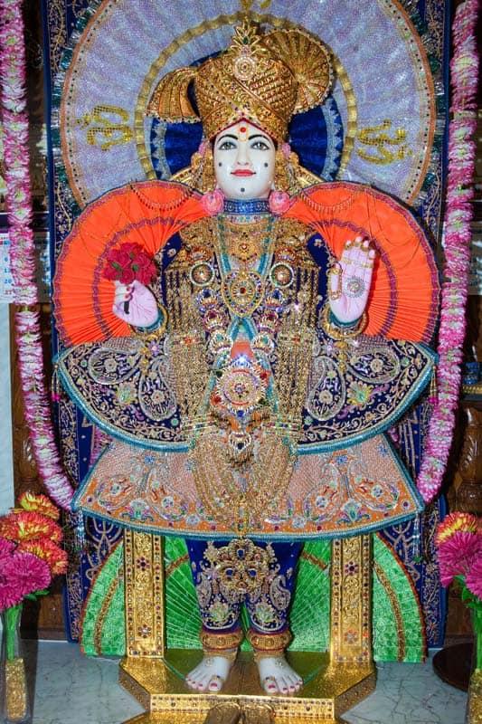 Shree Kutch Satsang Swaminarayan Temple [Mandir] 1