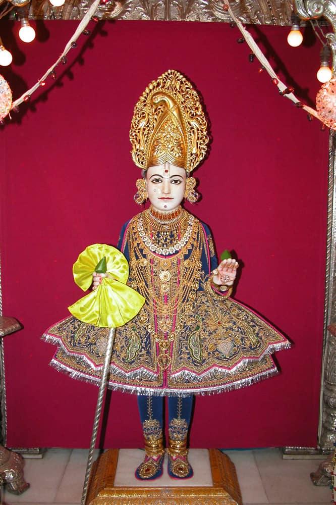 Shree Swaminarayan Mandir London 1