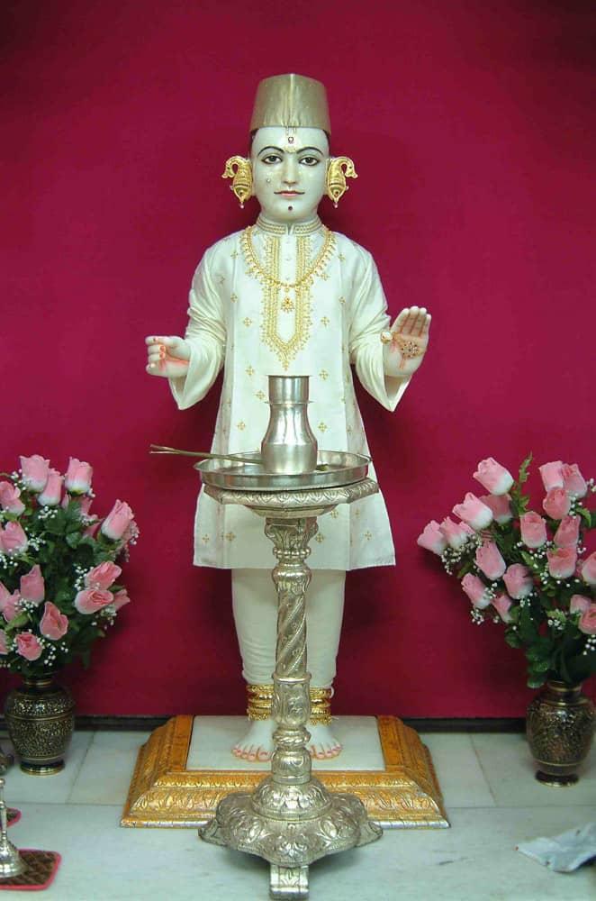Shree Swaminarayan Mandir London 2